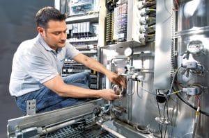 Belimed AG – Vollintegriert: Mobiler Kundenservice, Techniker im Einsatz